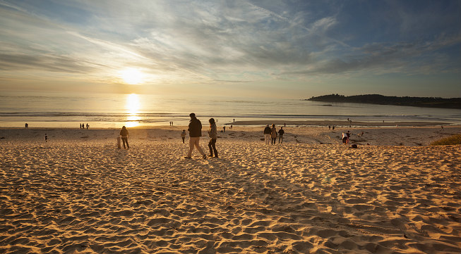 Carmel_beach_sunset_-_653x361